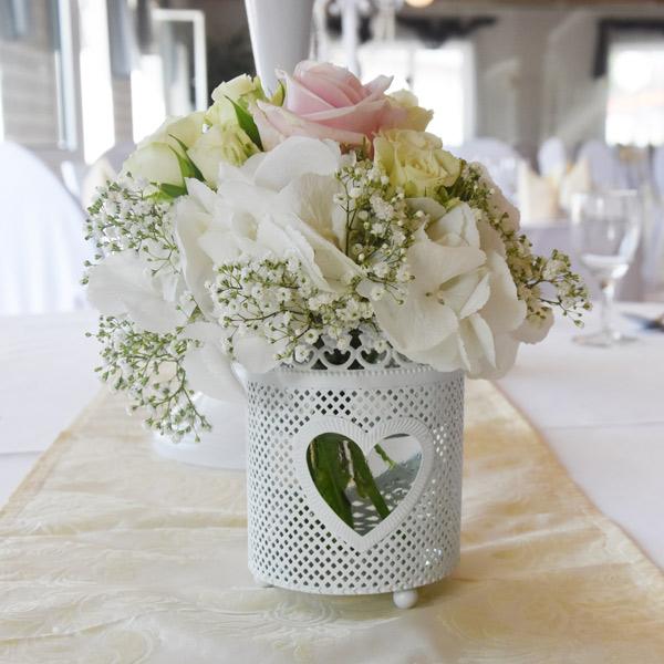 Vase mit Blütenrand