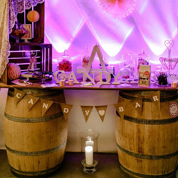 Candybar Weinfässer