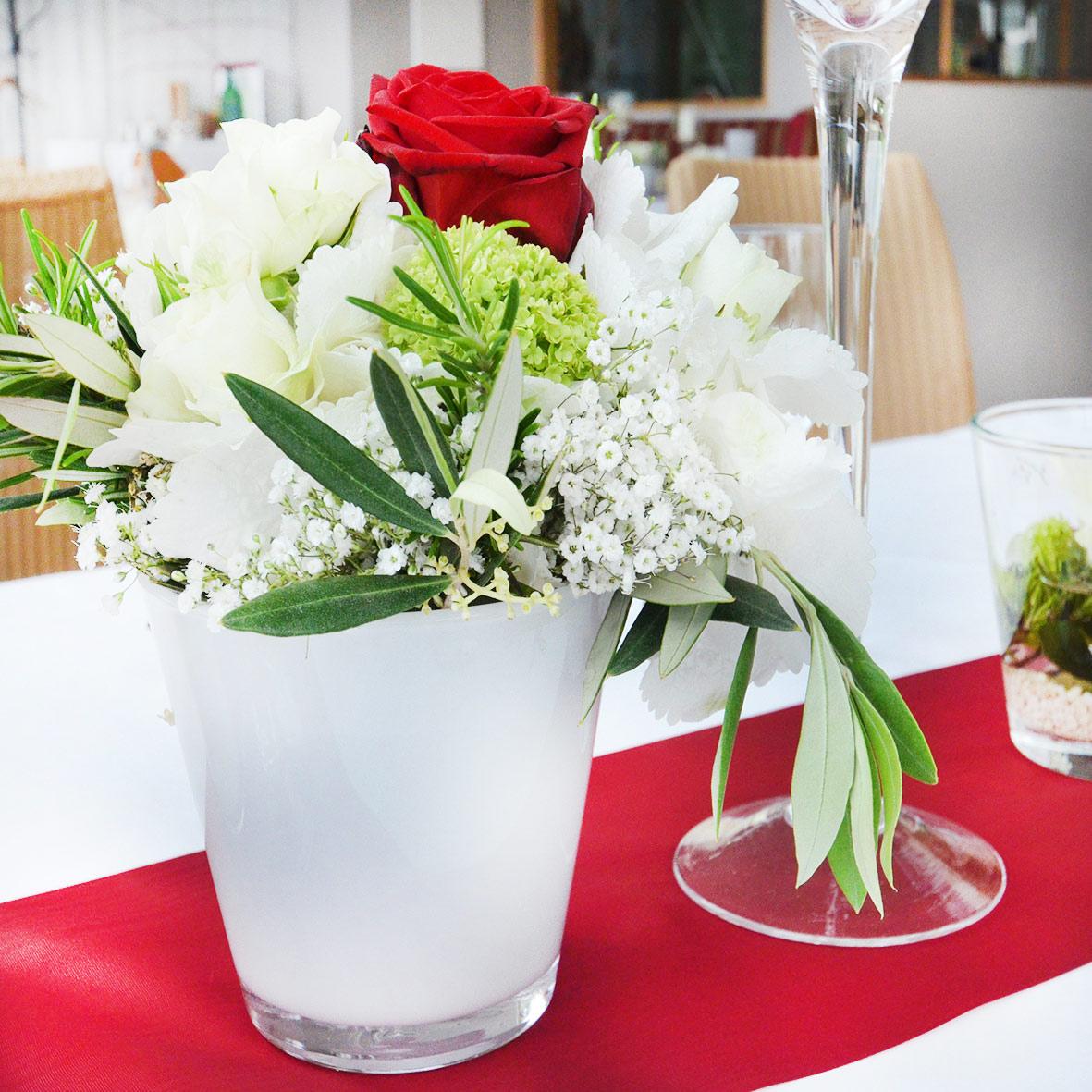Vase konisch weiss